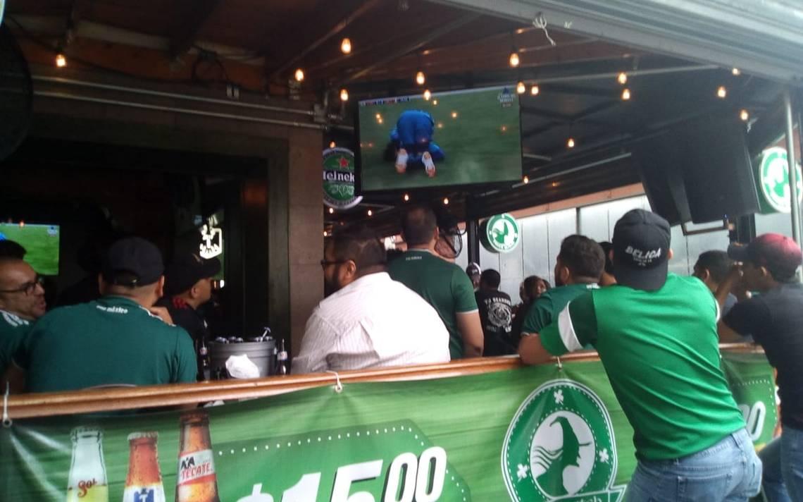 Se reúnen desde temprana hora en bares para ver a la selección mexicana - El  Sol de Tijuana d089e71052411