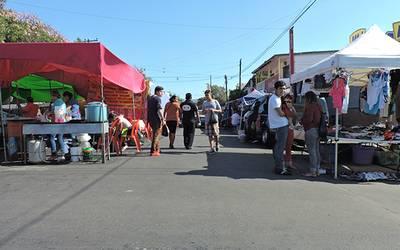 Familias optan por comprar en los sobre ruedas - El Sol de Tijuana 1d70eb22a91